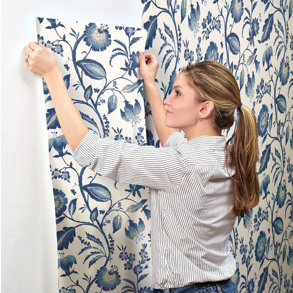 Ashford House Tropics Off-White and Blue Watercolor Jacobean Wallpaper, image 6