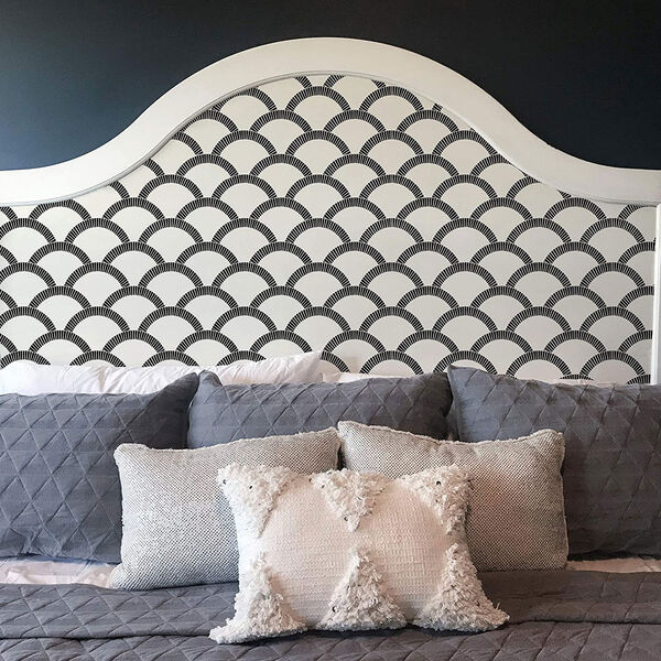 Mosaic Scallop Black and Cream 28 Sq. Ft. Peel and Stick Wallpaper, image 4