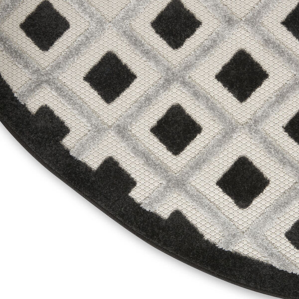 Aloha Black and White 4 Ft. x 4 Ft. Round Indoor/Outdoor Area Rug, image 5