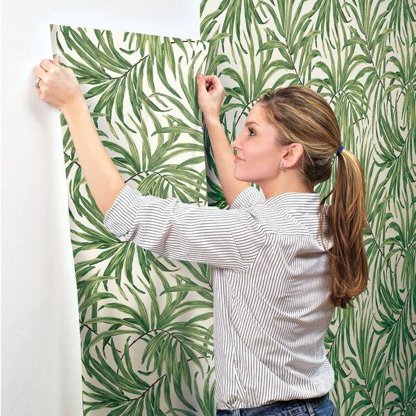 Ashford House Tropics White and Green Bali Leaves Wallpaper, image 5