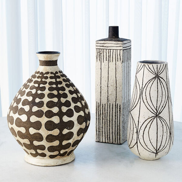 White Graffiti Square Vase, image 5