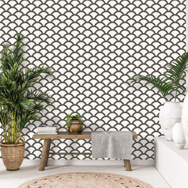 Mosaic Scallop Black and Cream 28 Sq. Ft. Peel and Stick Wallpaper, image 6