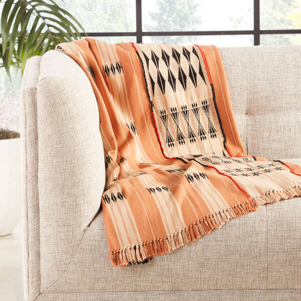 Nagaland Chang Tribal Blush and Beige Hand-Loomed Throw, image 3
