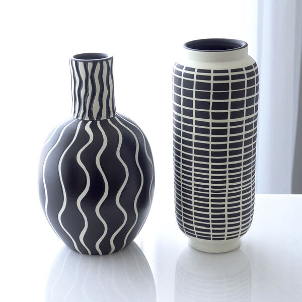 Black and White 7-Inch Graphic Gourd Vase, image 6